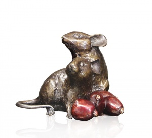 Mice with Rosehips,
