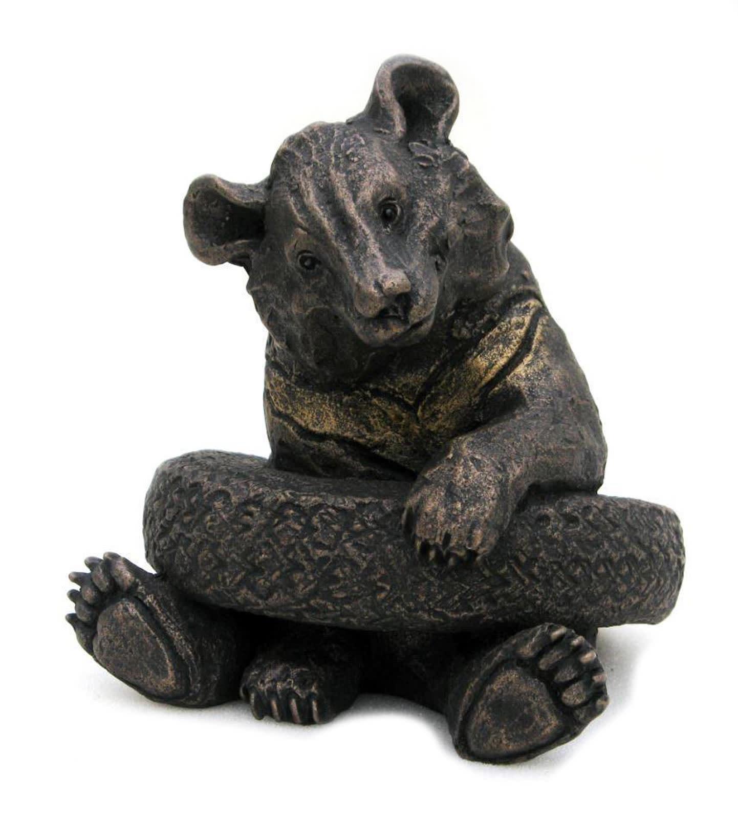 sculpture of a bear by artist suzie marsh